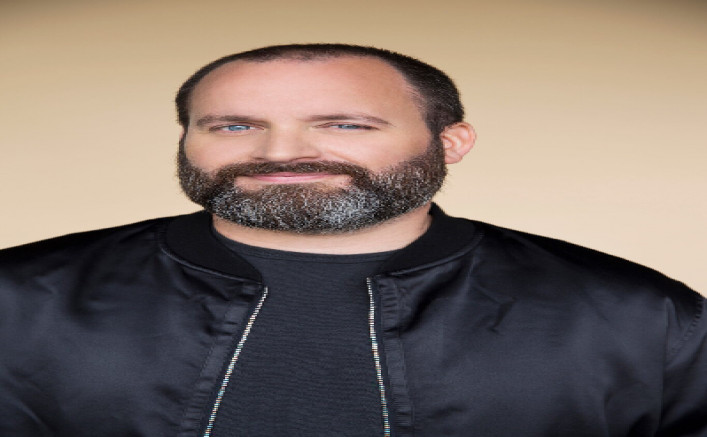 comedy-off-broadway-tom-segura-working-out-new-material